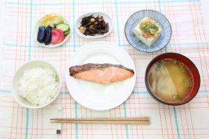 女性ホルモン 更年期 理想的な食事