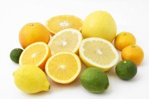 美肌 白肌 紫外線予防 ソラレン  50代女性 食べ物