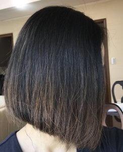 50代女性の白髪染め ラジャスタンヘナで染めた写真 部屋の中ではこんな色になります