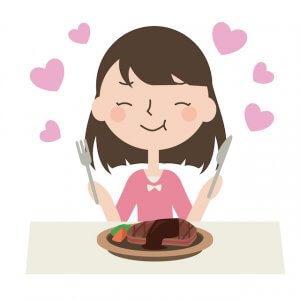 50代女性 美肌になる食べ物 肉を食べる女性